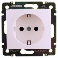 Розетка электрическая Legrand Valena с заземлением (белая)   774420